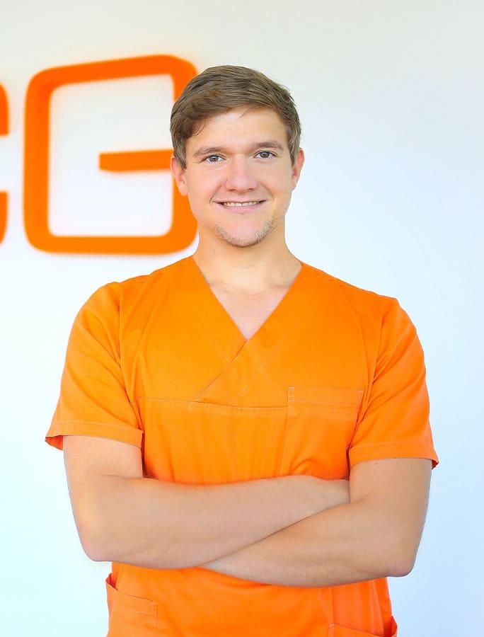 Dr. Tobias Lesser